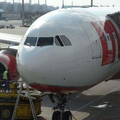 unser Flieger nach Bangkok - Air Berlin