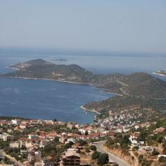 hier ein Blick über Kaş und der Halbinsel