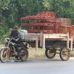 hier kommen einige der vielen unglaublichen Transportmittel in Kambodscha