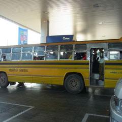 ein moderner Reisebus