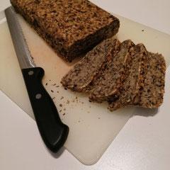 glutenfreies Brot mit Haferflocken, ohne Mehl und ohne Hefe