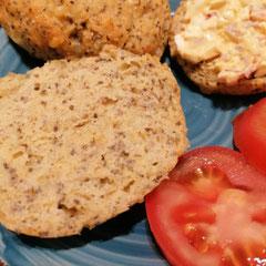 glutenfreie Brötchen mit Chia und Käse