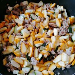 Zucchini mit Hackfleisch in Sahnesoße, glutenfrei