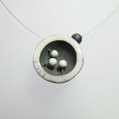 fiche détaillée du collier en céramique de l'atelier simplement terre