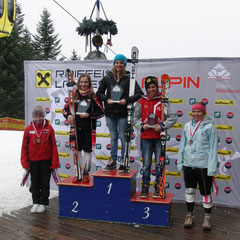 Die ersten fünf im Combi Race: Katrin ganz oben, Platz 2 Julia Karwann ( SC Mayrhofen); Platz 3 Nina Thum (SV Arzl); Platz 4 Bernadette Lorenz (SV Oberperfuß); Platz 5 Anette Riedmann (SC Westendorf)