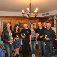 Die Clubmeister, v.l.n.r. Annemarie Adelsberger, Julia Mair, Peter Seisl jun., Hannah Köck, Thomas Mach und Peter Seisl.