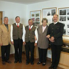 von links: Obmann Horst Priessner, Johann Asprian,Herbert Pfannberger, Gertrude Pacher, Bgm. Horst Friedl