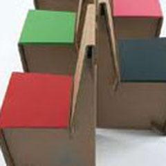 Mistika, sedute con struttura in cartone ondulato dalle cover intercambiabili in vari colori, Kube-design