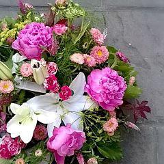 Coupe de fleurs rose et blanc       50 euros