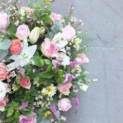 Coussin deuil fleurs et fleurettes    70 euros