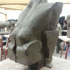 Sculpture de gorille caricaturé, simplifié. ( Seconde partie de l'éxercice )