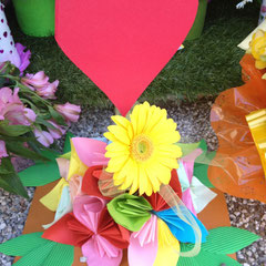 27 Aprile 2012: I compagni di classe non fanno mancare il loro saluto anche nel giorno in cui avrebbe dovuto festeggiare il suo 10° compleanno ....