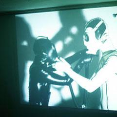 GZ VS. LES OS DESSÉCHÉS, 2005 live at Galerie Zero Arts, Stuttgart - gabrielle zimmermann - foto: Eduardo Perez