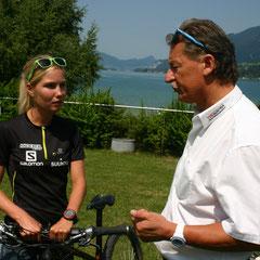 Sandra Koblmüller im Gespräch mit Präsident Helmut Kaufmann