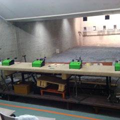 5 postes de tir avec rameneurs électriques