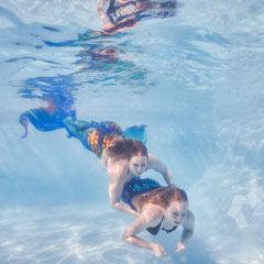Poolshooting Meerjungfrauen Unterwasser