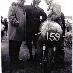 Mike Hailwood auf 250cc EMC - Er kam, sah und siegte