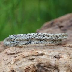 Pferdehaararmband aus Schweifhaar, fishtail, Edelstahlverschluss, €45,-