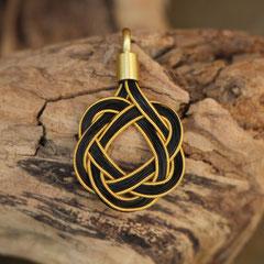 Pferdehaaranhänger aus Schweifhaar, 585/er goldfilled Draht, handgefertigte Aufhängung aus 585/er Gelbgold. € 230,-