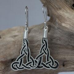 Pferdehaarohrringe aus Schweifhaar, Zinndraht mit 4% Silberanteil, handgefertigte Aufhängung und Ohrhaken aus 925/er Silber. €105,-