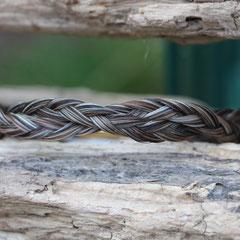 Pferdehaararmband aus Schweifhaar, 3fach geflochten, doppelt verschlungen, Edelstahlverschluss, €55,-