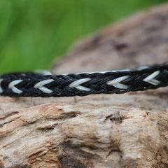 Pferdehaararmband aus Schweifhaar,  Kumihimo flach geflochten, Edelstahlverschluss, €55,-