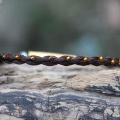 Pferdehaararmband aus Schweifhaar,  4-fach rund geflochten mit Rocailleperlen (1 pro Bogen-viele Farben möglich!) bestickt, Edelstahlverschluss, €60,-