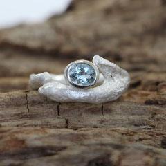 organischer Ring mit Aquamarin, 925er Silber