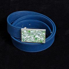 Ledergürtel mit Schnalle aus Silber und Smaragdit
