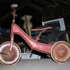tricycle tôle emboutie enfant