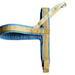 Hundegeschirr aus Used Jeans und beigem Gurtband