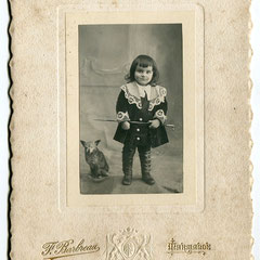 25€ enfant et chien carton 13x18cm