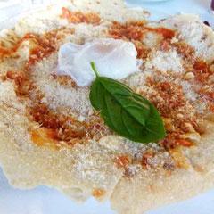 Pane, Tomatensugo, Pecorino - das Ganze in 3 Lagen