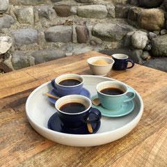 Espressotassen, rundes Tablett, Bowl mini und Kännchen mini