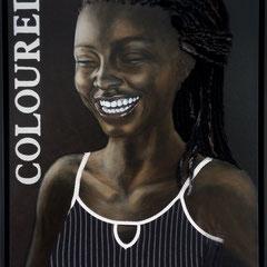 """""""Laughing Woman"""", Serie """"fremd : vertraut"""", Ölmalerei auf Leinwand, Textiles, applizierte Frisur, 80 x 60 cm, Schattenfugenrahmen schwarz"""