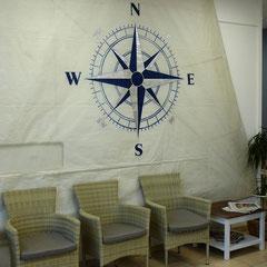 """""""Windrose"""", Acryl-Malerei mit Schlagmetall silber auf gebrauchtem Segel, D ca. 1,60 m"""