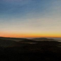 """""""Abendstimmung über Schwarzwald und Rheintal"""", Bitumen-/Acryl-/Ölfarben auf Leinwand, 70 x 140 x4 cm"""