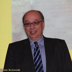 Dr. Stefan Rhein, Direktor der Stiftung Luthergedenkstätten, stellt den Autor vor