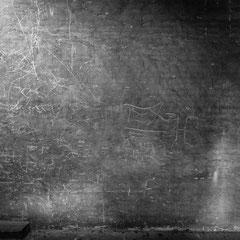 Thomas Feiereis: Wandputz im Dachboden, Brandmauer