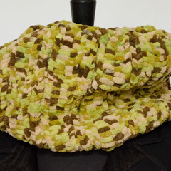 #348 dicker Chenille-Schlauchschal. Umfang 68 cm, Höhe 23 cm. 100% Polyester     35,-€