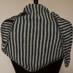 #442 Dreieckstuch schmal graublau-hellblau. 164 cm breit, 34 cm hoch. 100% recycelte Baumwolle     125,-€