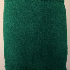 #504 Rock türkisgrün Bouclé. Umfang 84 cm, Länge 37,5 cm. 75% Polyyacryl, 13% Wolle, 12% Polyamid     135,-€