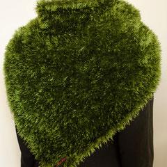 """#111 """"Wiesen""""-Tuch dunkelgrün. 140 cm breit, 49 cm hoch. 100% Polyester     125,-€"""