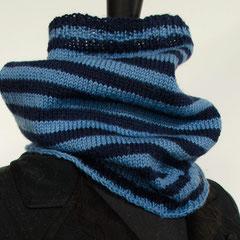 #78 Hellblau-dunkelblau-Ringel-Schlauchschal. Umfang 50 cm, Höhe 30 cm. 100% Schurwolle     65,-€
