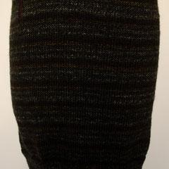 #509 Rock anthrazitbraungrau-Ringel. Umfang 74 cm, Länge 41,5 cm. Wolle und Polyacryl     135,-€
