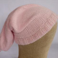 #158 Rosa Knötchenzipfelmütze. Umfang ~ 55 cm. 80% Angora, 20% Wolle     68,-€