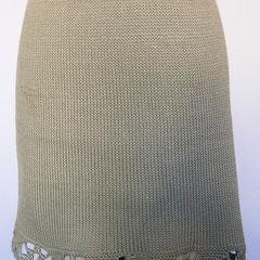 #418 Rock steingrau mit Häkelborte. Umfang 90 cm, Länge 40 cm. 100% Baumwolle     145,-€