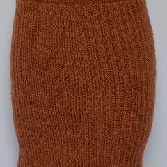 #362 Rock rost-orange, Bündchenmuster. Umfang  cm, Länge  cm. 60% Polyacryl, 40% Wolle     115,-€