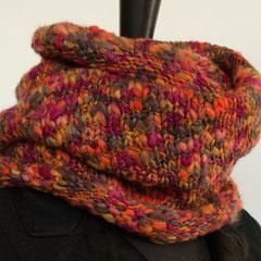 #42 Dicker Herbstfarben-Wickelschal. Umfang 106 cm, Höhe 35 cm. 82,-€