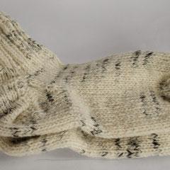 #188 Socken weiss mit schwarz-meliert. Grösse 39/40. 100% Schurwolle     28,-€